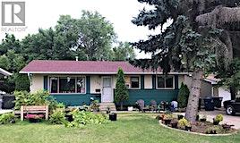 153 Carleton Drive, Saskatoon, SK, S7H 3P1
