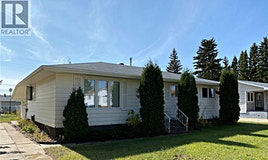 411 9th Avenue W, Melville, SK, S0A 2P0