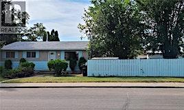 121 Mcgee Crescent, Saskatoon, SK, S7L 4M6