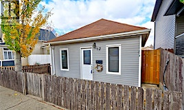 62 Iroquois Street E, Moose Jaw, SK, S6H 4S8