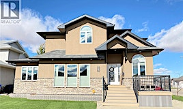743 Mctaggart Place, Weyburn, SK, S4H 3M6