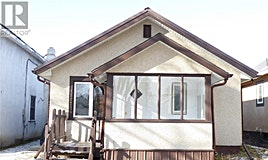 1117 C Avenue N, Saskatoon, SK, S7L 1K3