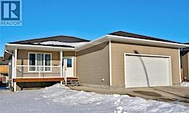 10 Carrington Drive, Moose Jaw, SK, S6K 1C2