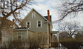 1005 2nd Avenue NE, Moose Jaw, SK, S6H 1C2