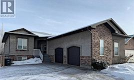 102 Beechwood Crescent, Saskatoon, SK, S7V 1K6