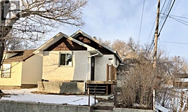 912 Stadacona Street W, Moose Jaw, SK, S6H 2A8