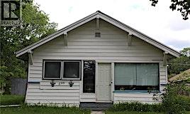 596 1st Street E, Shaunavon, SK, S0N 2M0