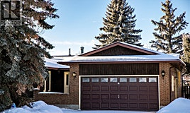 251 Crean Crescent, Saskatoon, SK, S7J 3W9