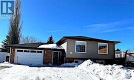 372 Buffalo Place, Swift Current, SK, S9H 4X2