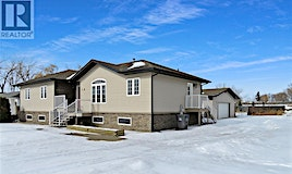 1129 Railway Street South, Swift Current, SK, S9H 3B7