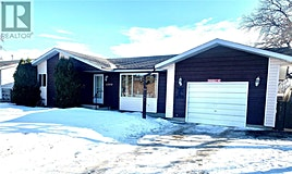 1204 Railway Street North, Swift Current, SK, S9H 1E7
