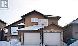814 Gillies Crescent, Saskatoon, SK, S7V 0C2