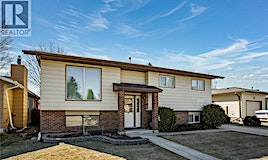 135 David Knight Crescent, Saskatoon, SK, S7K 5L5