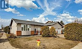 367 Wakaw Crescent, Saskatoon, SK, S7J 4E1