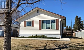 921 S Avenue N, Saskatoon, SK, S7L 3A7