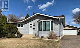 9009 Deans Crescent, North Battleford, SK, S9A 3H8