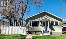 612 4th Avenue NW, Swift Current, SK, S9H 0V8