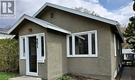 551 1st Avenue NE, Swift Current, SK, S9H 2B8