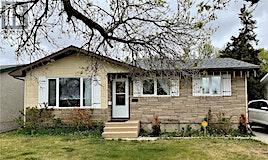 2504 33rd Street W, Saskatoon, SK, S7L 0X5