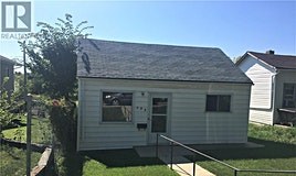 933 Hochelaga Street W, Moose Jaw, SK, S6H 2H7