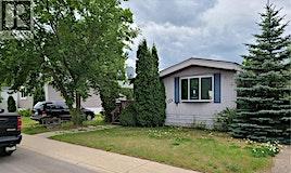 123 Lochrie Crescent, Saskatoon, SK, S7M 5E3