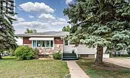 1301 3rd Avenue NW, Moose Jaw, SK, S6H 3V5