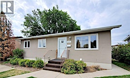 274 1st Avenue SW, Swift Current, SK, S9H 3H3