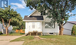 227 1st Avenue SW, Swift Current, SK, S9H 3H4