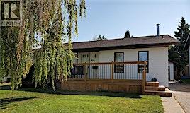 814 Carr Place, Prince Albert, SK, S6V 7E1