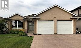818 Denham Crescent, Saskatoon, SK, S7R 1E8