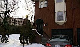 34 Red Maple Court, Toronto, ON, M2K 2T3