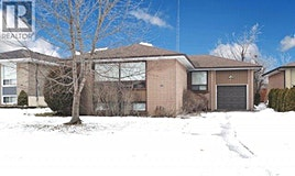 108 Clifton, Toronto, ON, M3H 4L3