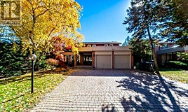 25 Mossgrove Trail, Toronto, ON, M2L 2W2