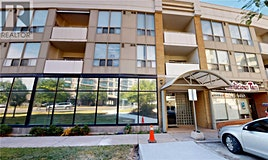 304-897 Sheppard West, Toronto, ON, M3H 2T4