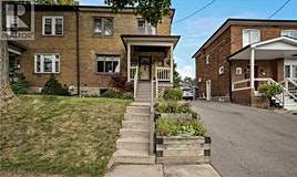 32 Elvina Gardens, Toronto, ON, M4P 1X8