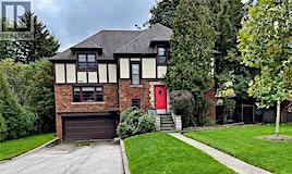 9 Ravenhill Road, Toronto, ON, M5M 3B3
