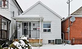 680 Mortimer, Toronto, ON, M4C 2K2