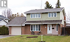 13 Cardiff Court, Whitby, ON, L1N 5N8