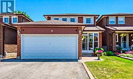 6 Triangle Villas Drive, Toronto, ON, M1W 3L2