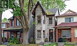 29 Kelvin Avenue, Toronto, ON, M4C 5C7