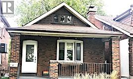 17 Avonlea Boulevard, Toronto, ON, M4C 5E4
