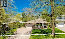 19 Belcourt, Barrie, ON, L4M 4E2