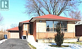 16 Thelmere Place, Toronto, ON, M9R 2B7