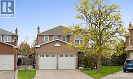18 Lehar Court, Brampton, ON, L6S 5V1