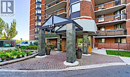 805-236 Albion Road, Toronto, ON, M9W 6A6