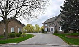 1918 Royal Credit Boulevard, Mississauga, ON, L5M 4Y1