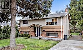 2518 Roseberry Avenue, Victoria, BC, V8R 3T5