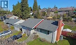 1016 Gosper Crescent, Esquimalt, BC, V9A 4J3