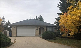 35 Groveland Bay, Winnipeg, MB, R3T 5B9