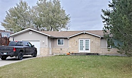 3 South Park Drive South, Steinbach, MB, R5G 2E8